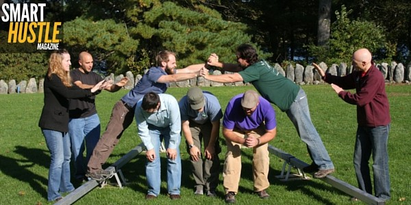 Team Building Games Like Human Knot